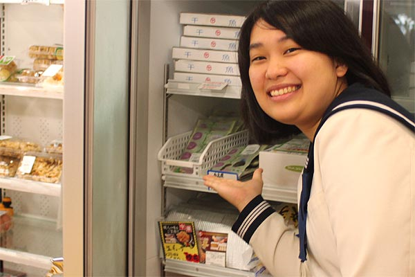 博多女子高校の生徒達が営業した「ゆめ畑那珂川店(JA筑紫)」では10月から販売スタート