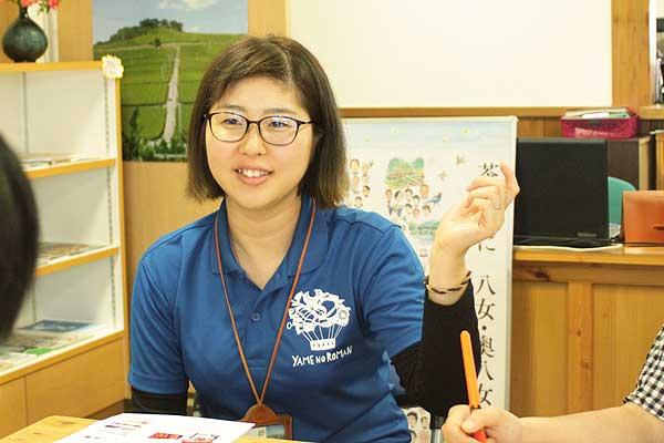 「私は小さいころから八女福島に住んでいました。だからこそ、八女福島の当たり前の風景がとても好きです。ひそかな魅力を見つけて、黙々と写真を撮るのも楽しいんですよ。笑」と、猪口さん。