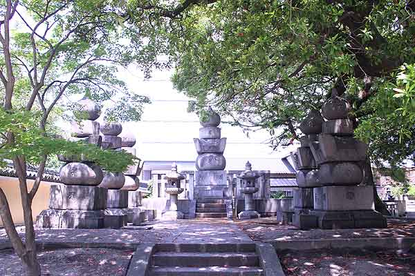東長寺 黒田家の墓