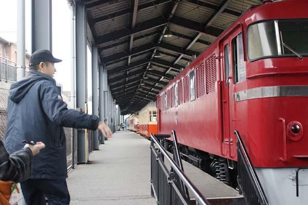 門司港レトロ観光-九州鉄道記念館車列