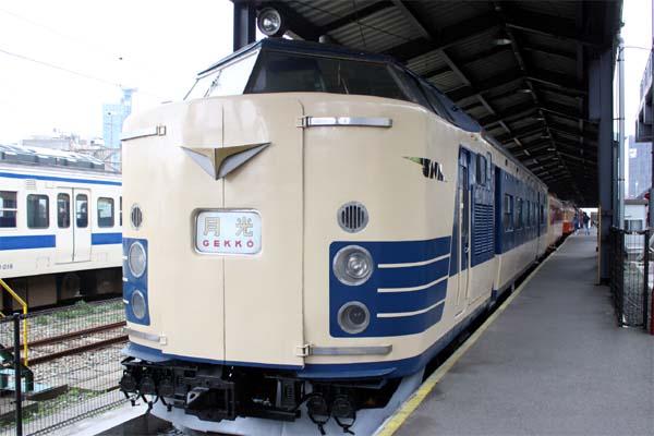 門司港レトロ観光-九州鉄道記念館車列02