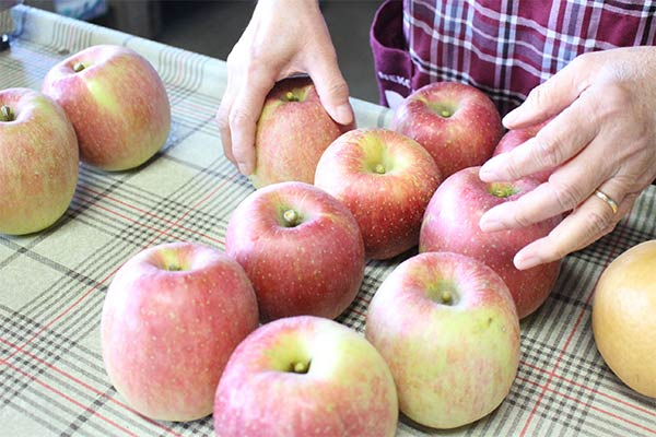 11月が旬のフジりんご