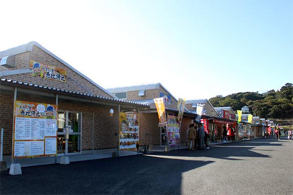 糸島の岐志漁港の新しくなった牡蠣小屋