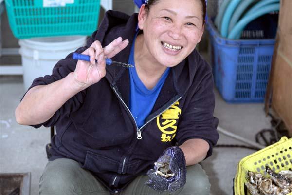 糸島カキ漁師