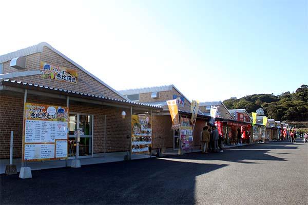 糸島・岐志漁港の牡蠣小屋