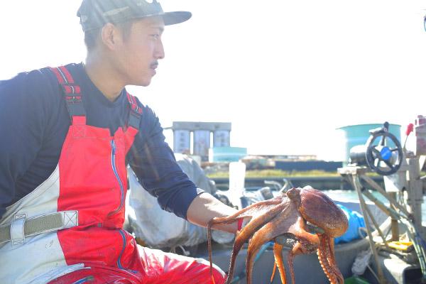 関門海峡たこ漁師・藤島賢太